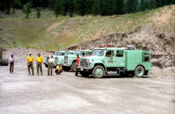 forest-service-fire-trucks-in-heart-1988.jpg